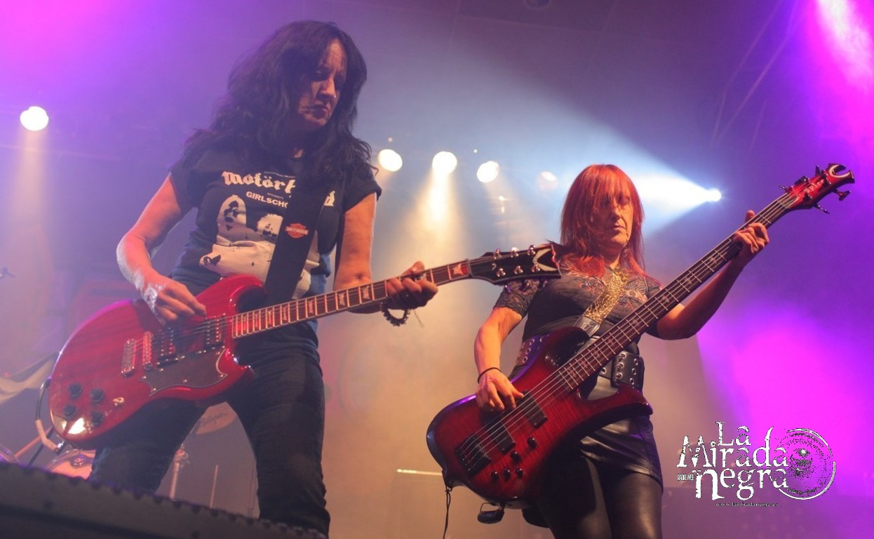 lamiradanegra girlschool15